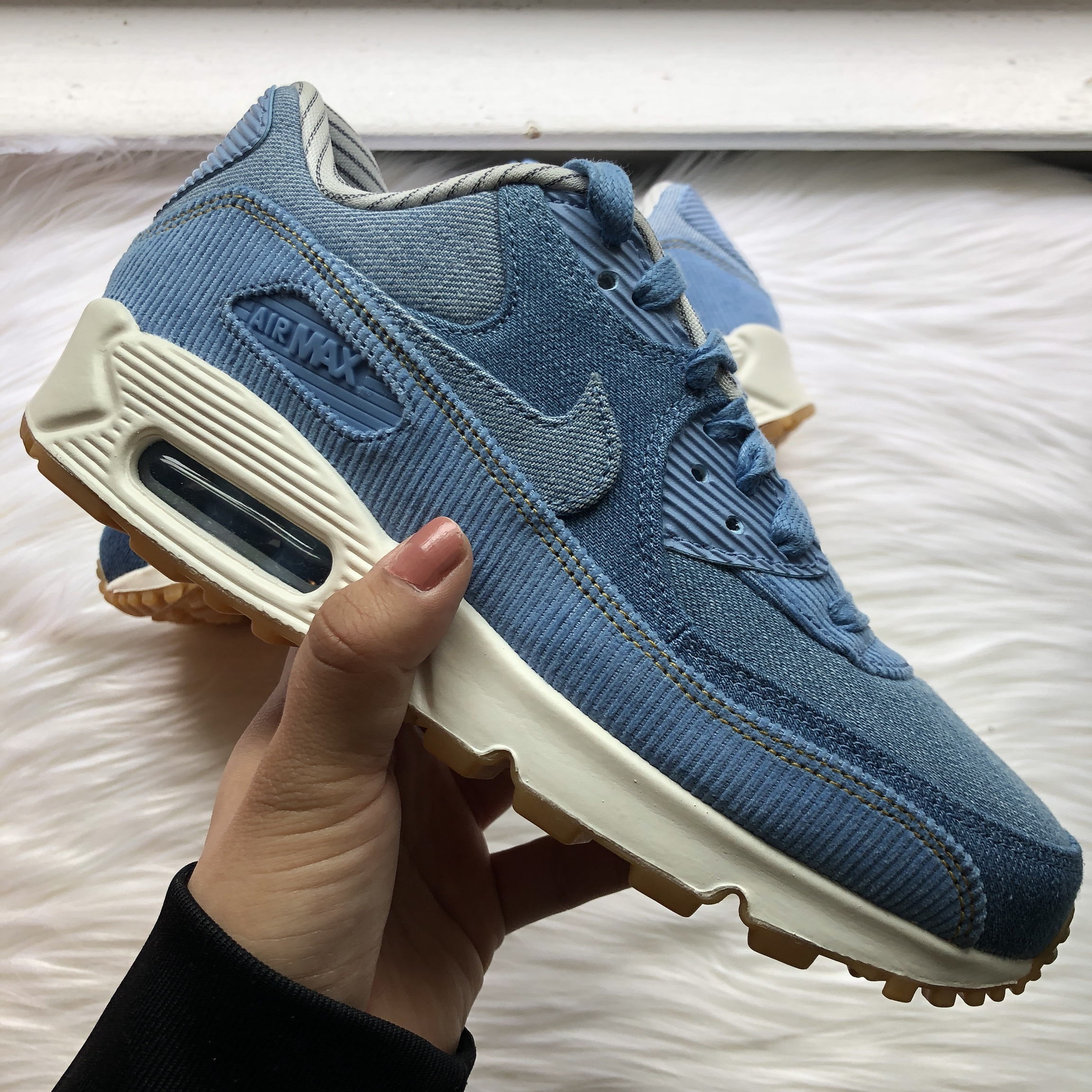 LOWEST. Nike Women Airmax 90 SE size 6. New, never