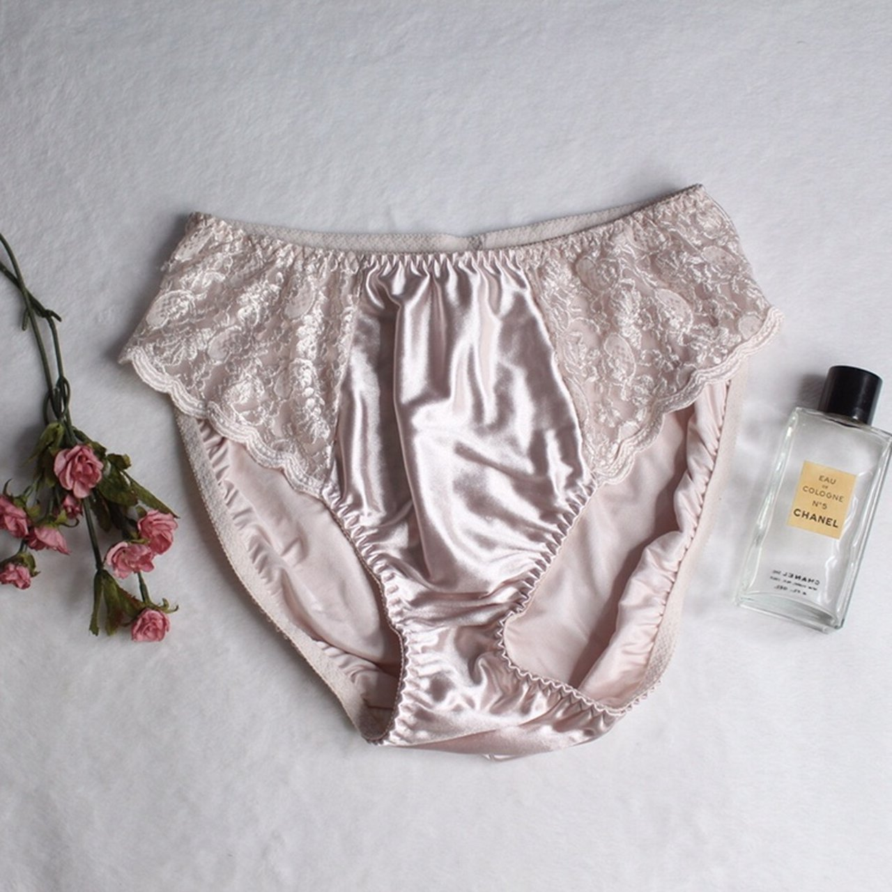 f95da4abc02fe Chanel Underwear 90s