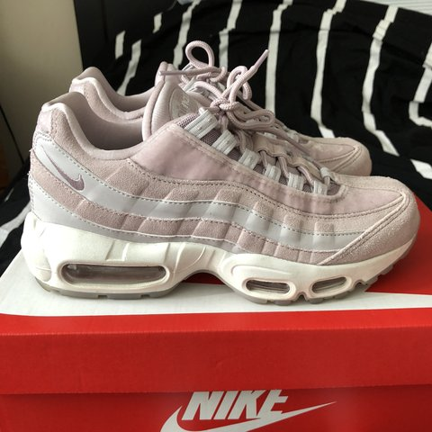 "cheaper c78d2 9e740 carlafcloset. 8 months ago. Silver Spring, United States. Womens Nike Air  Max 95 LX ""Particle Rose"""