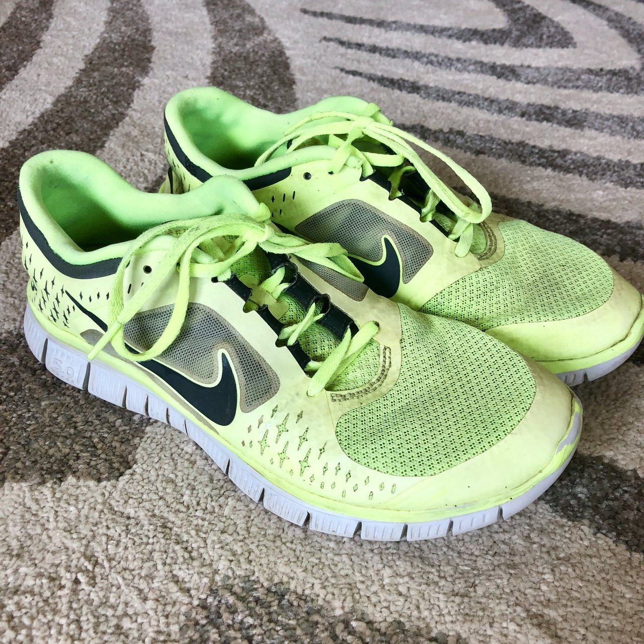 buy online 3626d afe9e  madihan1. 10 months ago. Seattle, United States. Neon green Nike Free ...