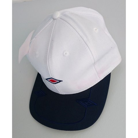 1a7eadcb746a27 🧢 VINTAGE UMBRO SNAPBACK HAT 🧢 White colouring New with - - Depop