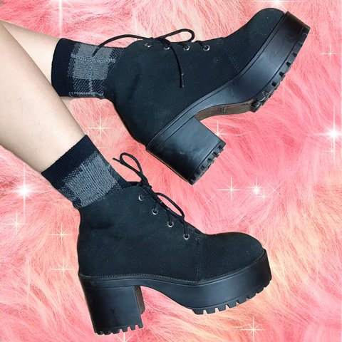 5faa5fbc6d6 Platform boots canvas All photos are worn by meeee Size 6   - Depop
