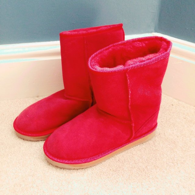 db2ffd14a5bd Red Ugg boots size 5 from Australia. They were bought for me - Depop