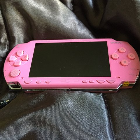 P! Nk console limited edition (psp): pink psp sony value pack.