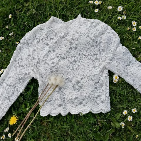 4ed71ef8ccb556 Cute white lace crop top from H&M Vintage high neck style is - Depop