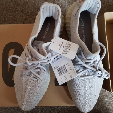 860113771 WTS BRAND NEW WITH TAG!! ADIDAS YEEZY BOOST 350 V2 UK 8.5 - Depop