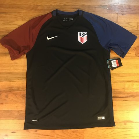 f578b5e4d83 Nike USA national team soccer jersey New with tags World L - Depop