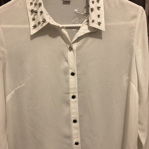 ed31de6f80 White dressy long sleeve shirt - Depop
