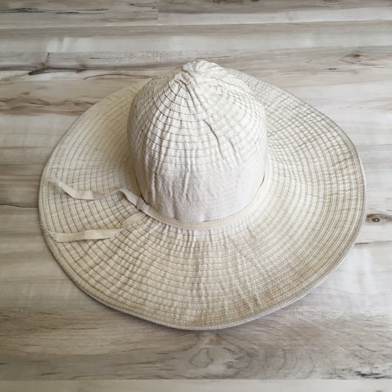 a9fa8bd5ebb Columbia Global Adventure Packable Sun Hat Condition  6 10 - Depop