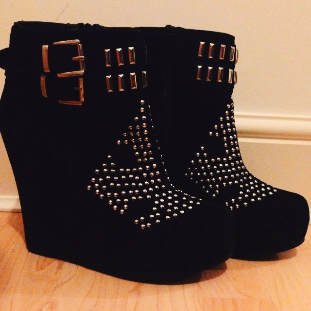 d922cd9ba015 Size 7 black wedge boots with stud detailing and double the - Depop