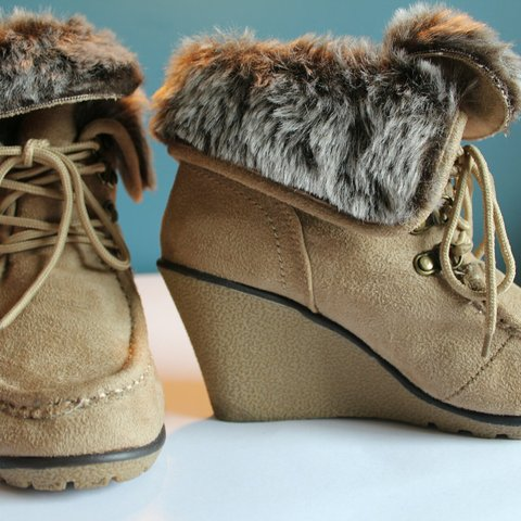 367c969f2f7b Winter cosy cute fur lined wedge boots. Very soft