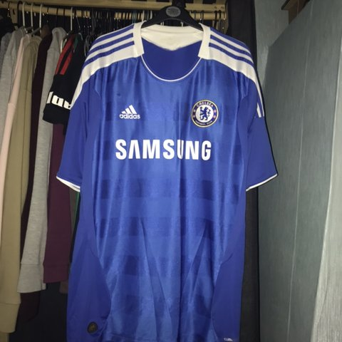 4941b81b1ac Chelsea football shirt 2011-12 home kit 9 10 condition Tag - Depop