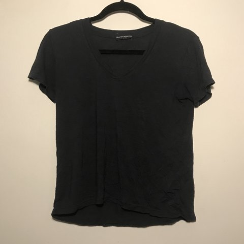 43b8b05263 @sophiiapowers. 9 months ago. New York, United States. Super soft v-neck Brandy  Melville Tee. Navy blue with ...