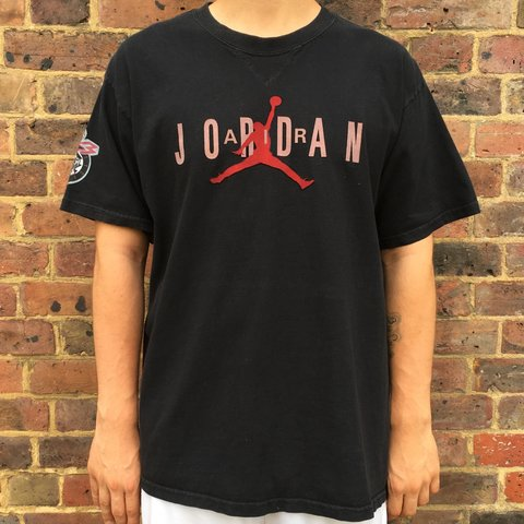 c0cdbf56347 @trodri17. 10 months ago. London, United Kingdom. Vintage Nike Air Jordan t  shirt top ...