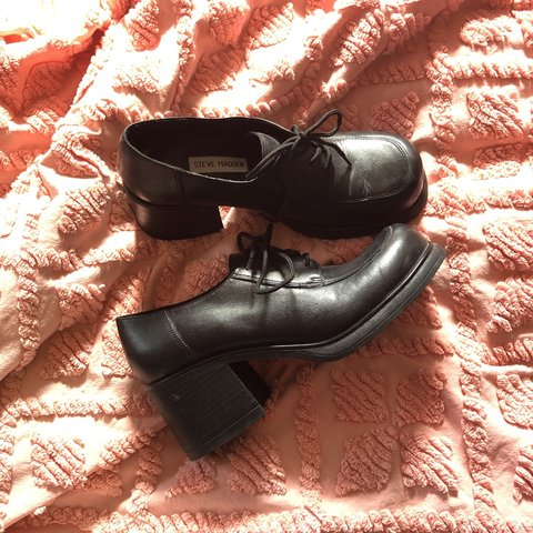 bf39775c2f4 SPICE UP YOUR LYFE with these vintage Steve Madden chunky of - Depop