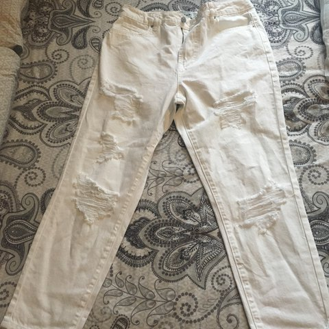 4feab836d45 @evie200185. last year. Leeds, United Kingdom. Women's New Look Tori Mom  Ripped Leg White Jeans Size 12