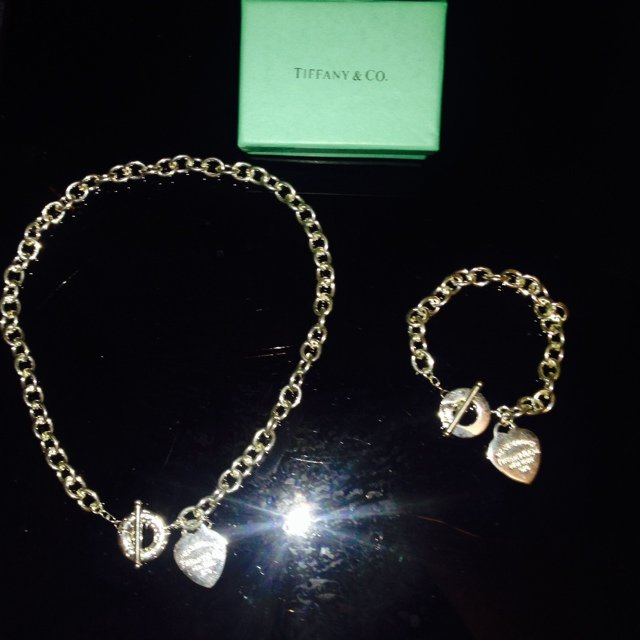 fb8d66dcb Tiffany style necklace and bracelet set. Includes gift box, - Depop
