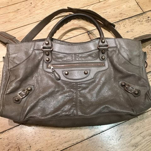 c2dbb93839b @ilariamilanese123. 2 months ago. London, United Kingdom. Authentic  Balenciaga Part Time small giant rose gold ...