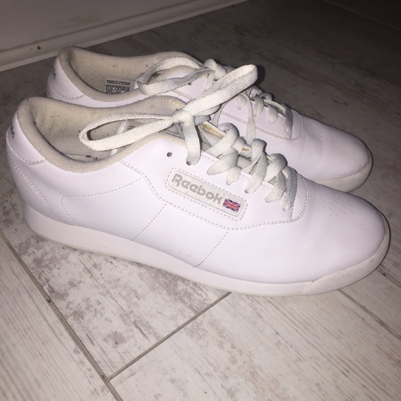 47bd30e1732 Reebok runners size 6 in prefect condition price includes - Depop