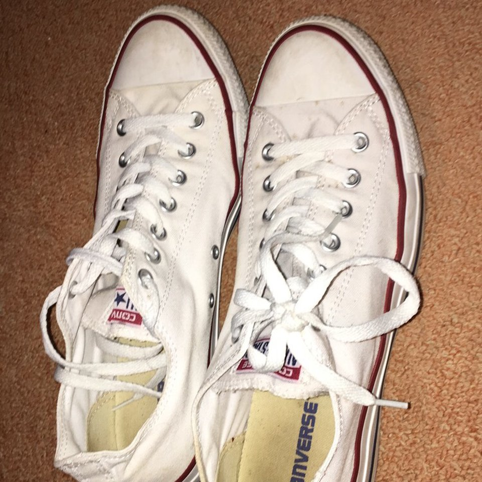 Men White converse shoes Size 11 Only