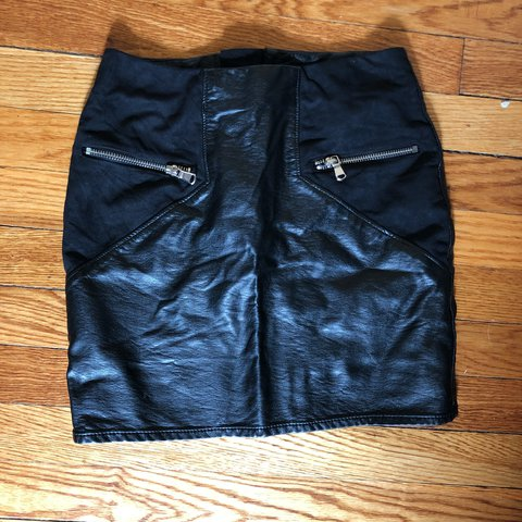 b12bde988d @sonnybmagnolia. last year. New York, United States. H&M black leather  skirt with suede zipper faux pockets. Great condition. Mid rise fit. Size  US 4