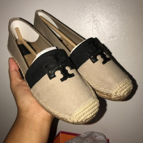 a2a04609afc Authentic Tory Burch Flats Never Used Style   40034 Weston - Depop