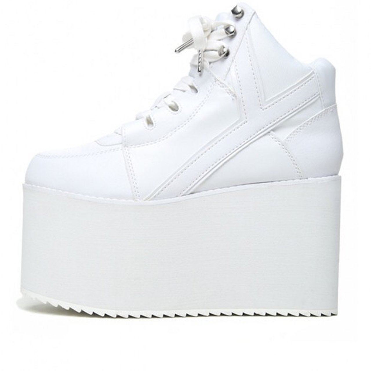 e4bee255f43 White yru qozmo high platform sneakers. Only worn once or a - Depop