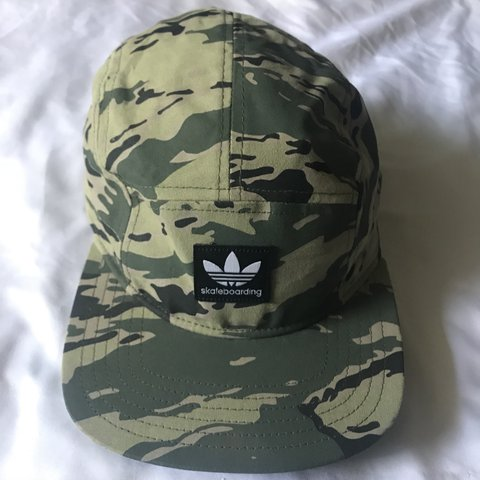 adidas camo camp cap five panel🍃🍂. pre owned in flawless - Depop 11e7efa47bc