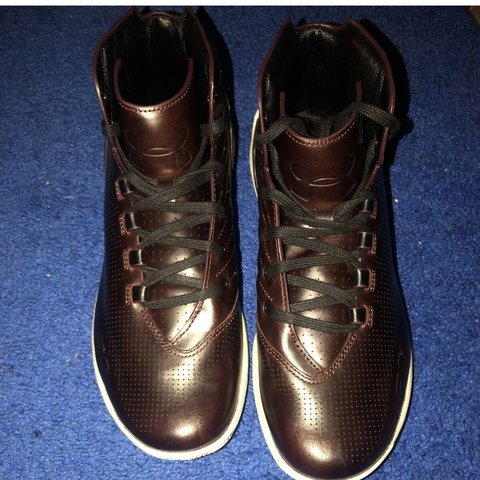 df2c1e0b50ea Under Armour men s Curry 3 Lux Limited Edition Leather SIZE - Depop