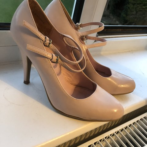 3faf2043e0fa Baby pink small heel with 2 straps. Worn a few times and on - Depop