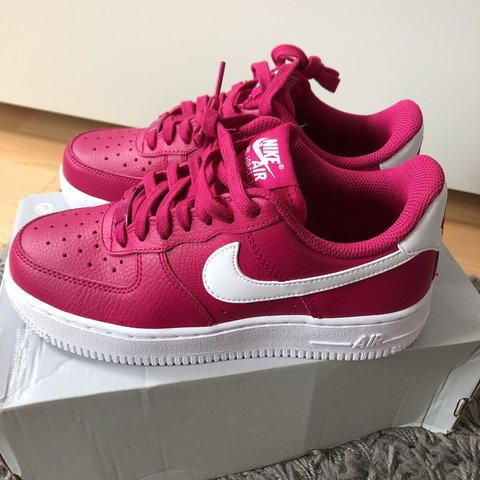 huge inventory ac317 5efd7  paigeycakey. 11 months ago. London, United Kingdom. NEW WOMENS HOT PINK    WHITE NIKE AIR FORCE 1 LOW ...