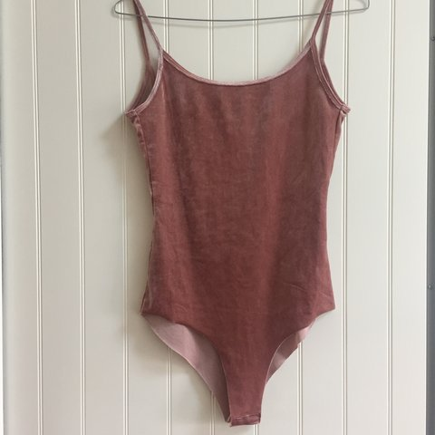 edd06d0ebb  laurenrosearcher. 2 years ago. United Kingdom. Pink velvet bodysuit from Zara  size S. ...