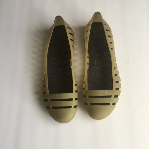 ce46b64d3 @bj_resale. last year. Valrico, United States. CROCS Women's olive green  flats. Size 8
