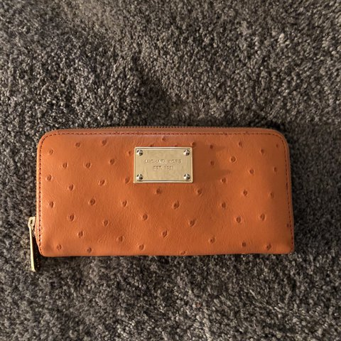 6d19916d78b127 @abbey_gail. last year. Los Angeles, United States. Beautiful orange MK  Wallet with ostrich ...