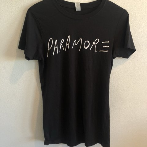 f1dcebe2f Women s Paramore band tee! Sad to let it go