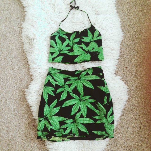 Motel Rocks 2 Piece Weed Palm Tree Leaf Skirt And Halter Neck Top Co Ordinate Size Xs But Very Stretchy Should Fit Sizes 6 10 Well