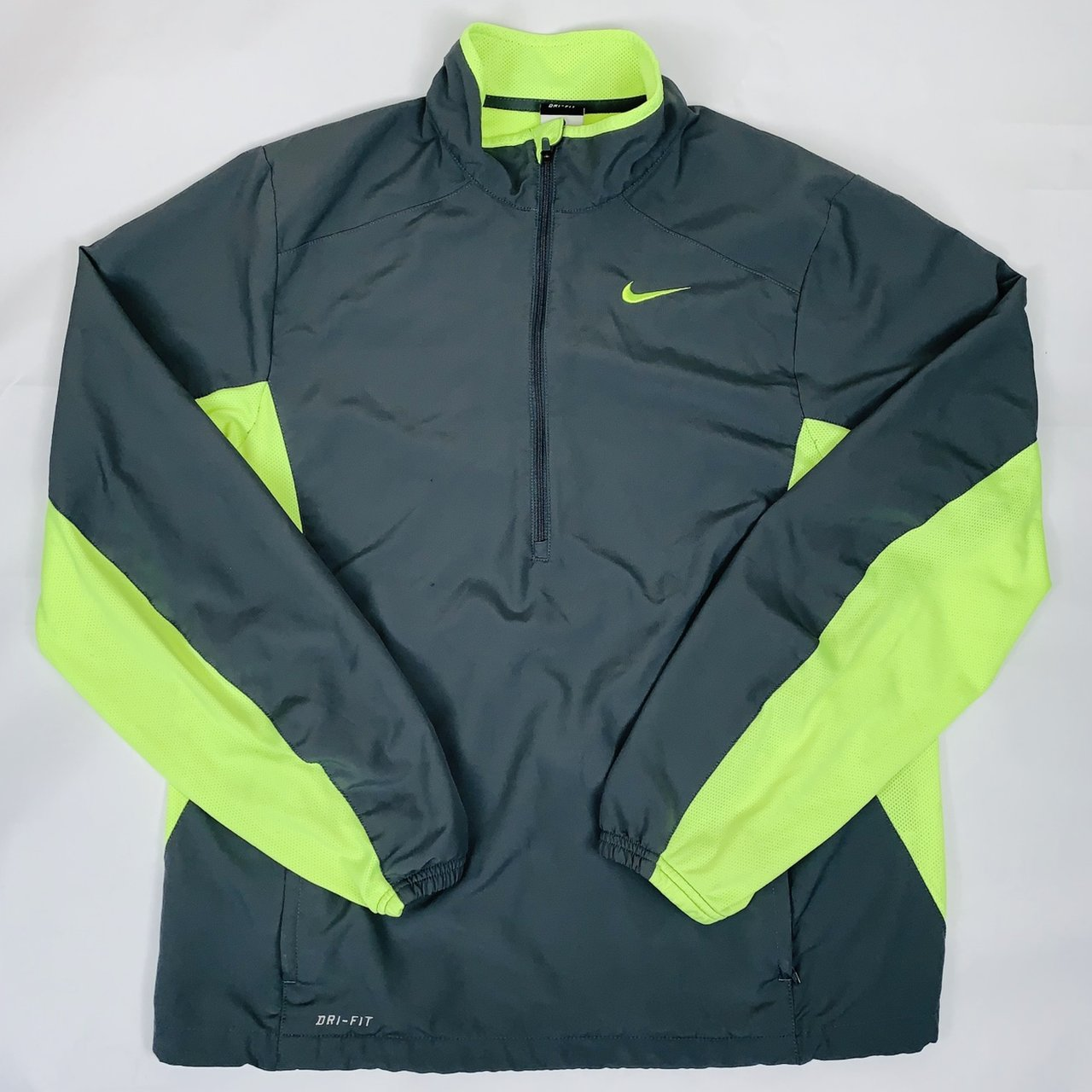 NIKE M Medium Dri-Fit Men s Half Zip Running Jacket Good - - Depop 0bb5b0709