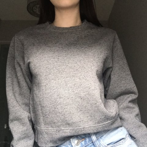 60fcce1dba5 🐚PEPPERED GREY SWEATER🐚 ○ Purchased from Aritzia ○ Brand  - Depop