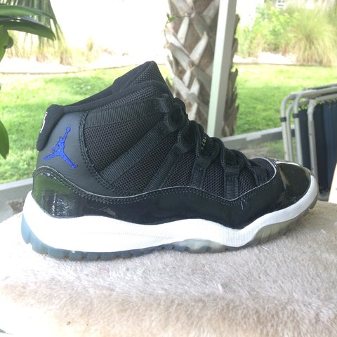 aac5d75a0ff @doscommas. 10 months ago. United States. Nike Air Jordan 11. Space Jam  Youth size 2y