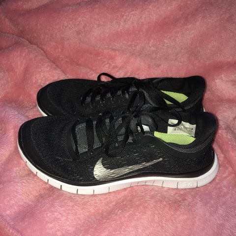 39ba481626022 NIKE FREE women s running shoes. Size 3.5. Good condition