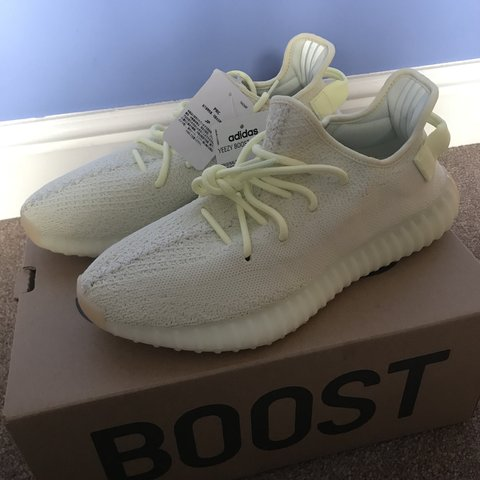68b52901d9acf Yeezy Boost 350 V2 UK 9 US 9.5 Bought from Yeezy Supply Got - Depop