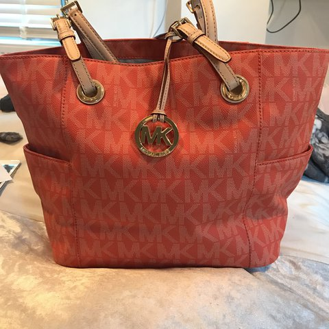 29f9ab204d57 @mollylittle. 2 years ago. Hildenborough, United Kingdom. REAL Orange Michael  kors bag, perfect condition ...