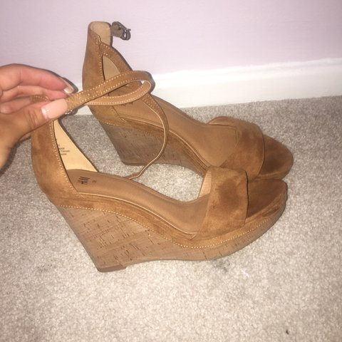 9561b60e356 H M tan cork wedges size 5. Worn once sole not damaged as to - Depop