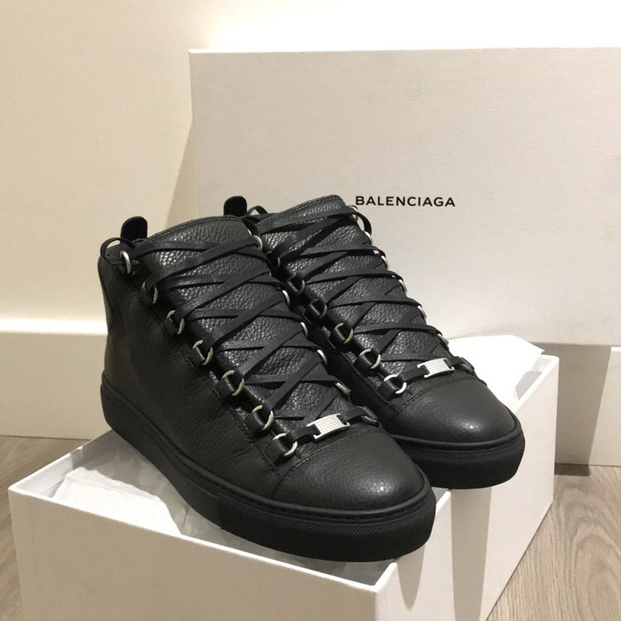 8880ec4a44187 Black Size Depop Eu Uk Men s 41 high Arena s Me 7 Top Balenciaga SxwfUafq