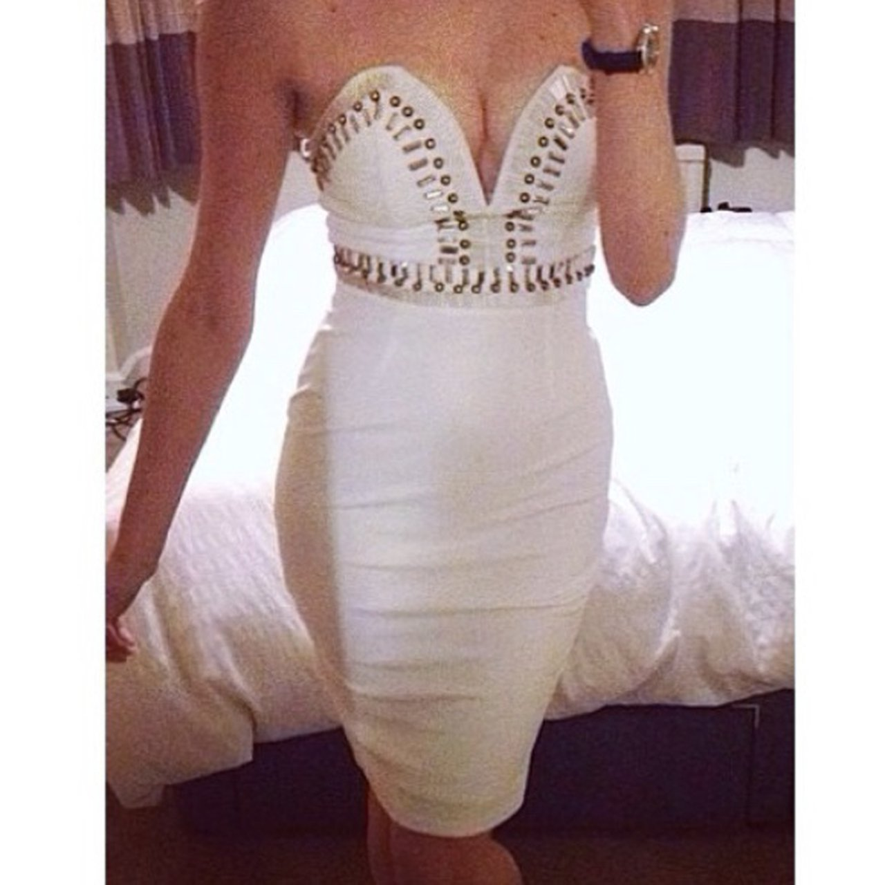 04ea7102c21f5 Missguided white bodycon Jewell dress!