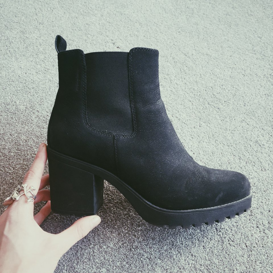 VAGABOND Grace heeled Chelsea boots in