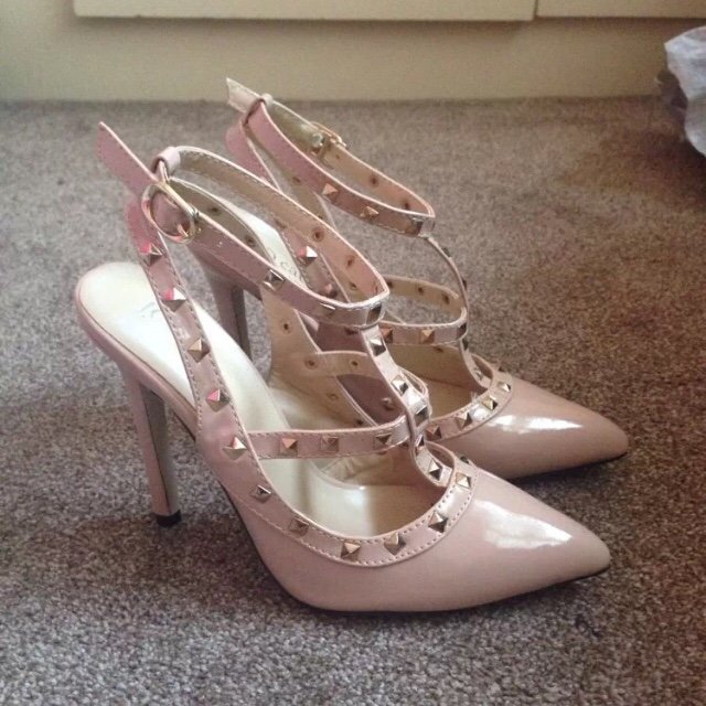 1ca959ced91 Nude studded pointy-toe heels in the style of the Valentino - Depop