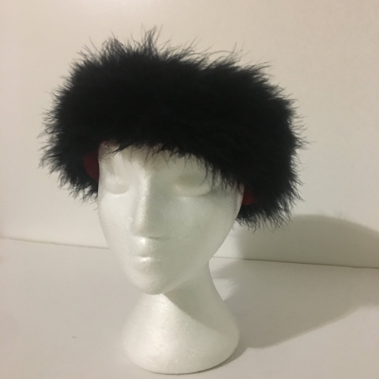 Gorgeous black and red feathered fluffy hat. 24 in diameter - Depop b78ef481294