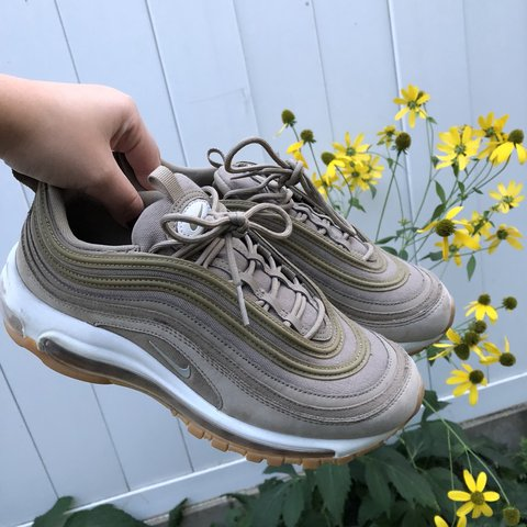 61da6262e1 @alynxaleo. 7 months ago. Chicago, United States. ATTENTION FREE SHIPPING  Nike Air Max 97 UT Womens lightly used shoes.