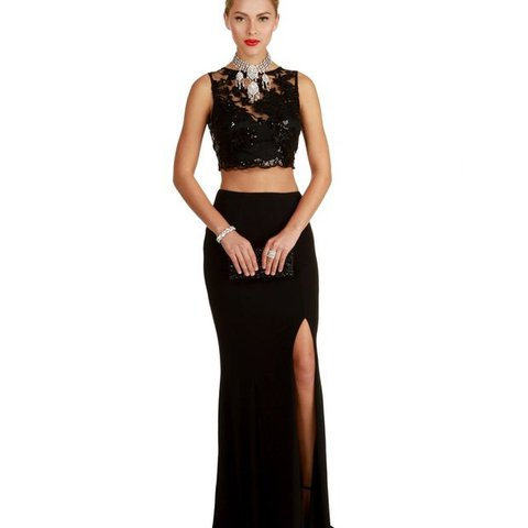 7c4b4d0801f09 @radontheinside. 5 months ago. Milwaukee, United States. Black Two Piece  Prom Dress from Windsor. Only worn once ...